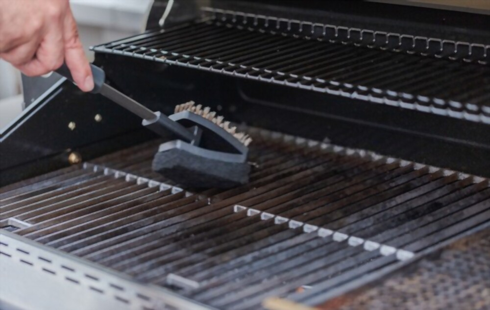 Cleaning the grill